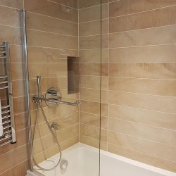 bathroom with Porcelain tiles on walls